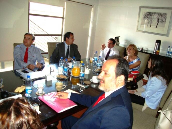 Alcaldesa Evelyn Matthei analizó situación de la Corporación de Desarrollo Social